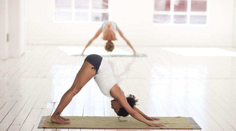 Videos de yoga para principiantes que también son positivos para el cuerpo