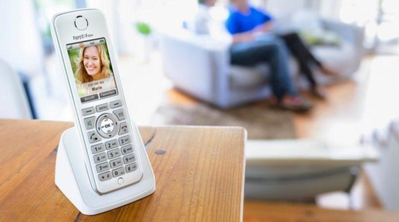 Ventajas de los teléfonos fijos inalámbricos para personas mayores