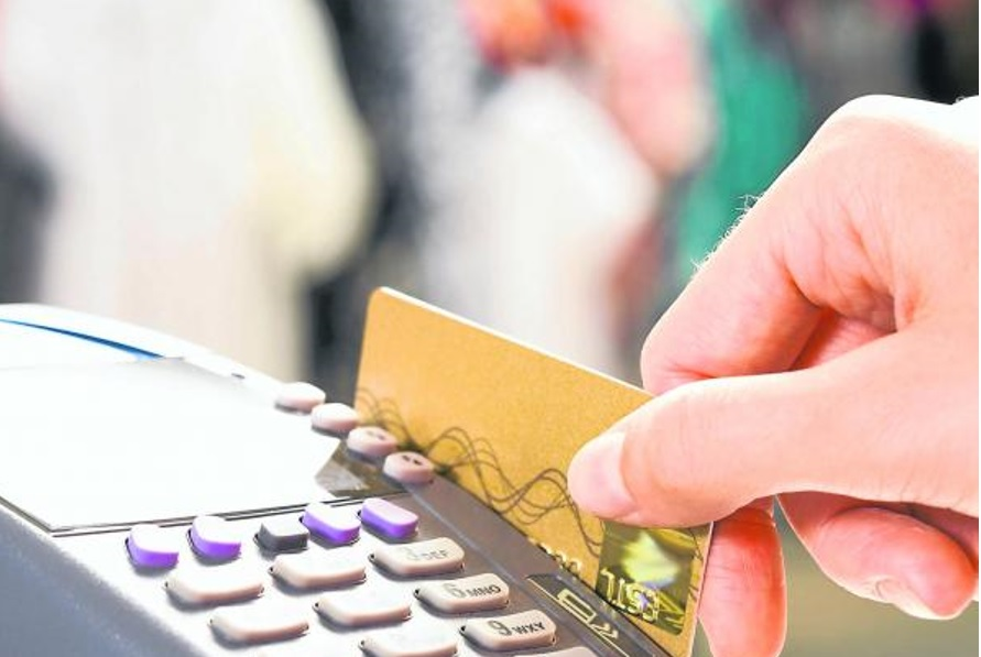 Solo 35,4% de los adultos bancarizados en Colombia tuvo acceso a productos financieros