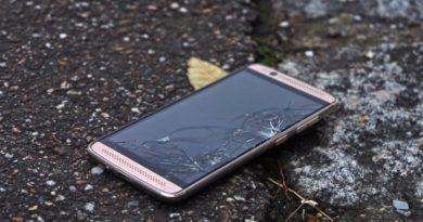 Evita la obsolescencia programada reparando tu móvil